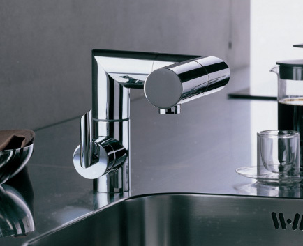 Folding Faucet Snake from Nobili - adjustable kitchen fauc