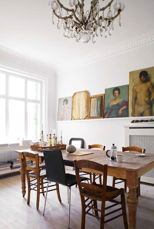 25 Ways To Match An Antique Table And Modern Chairs - DigsDi
