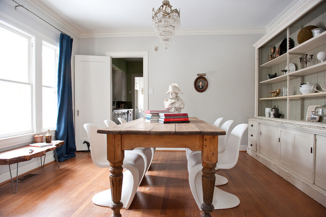 10 Unexpected Combinations Between Modern Chairs And Country Tabl