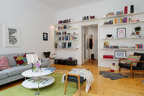 Bright and colorful 80 square meters apartme
