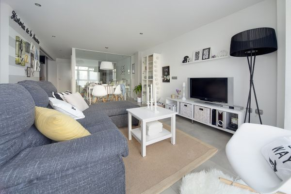A Mix Of Scandinavian And Modern Elements In A 75 Square Meter .