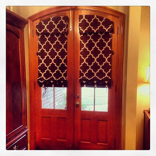 Love these arched door shades!! #customshades #stylesintextiles .