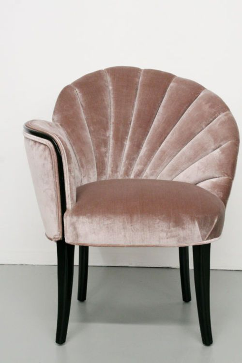 shell vanity chair. for your inner mermaid= obsessed   Fauteuil .