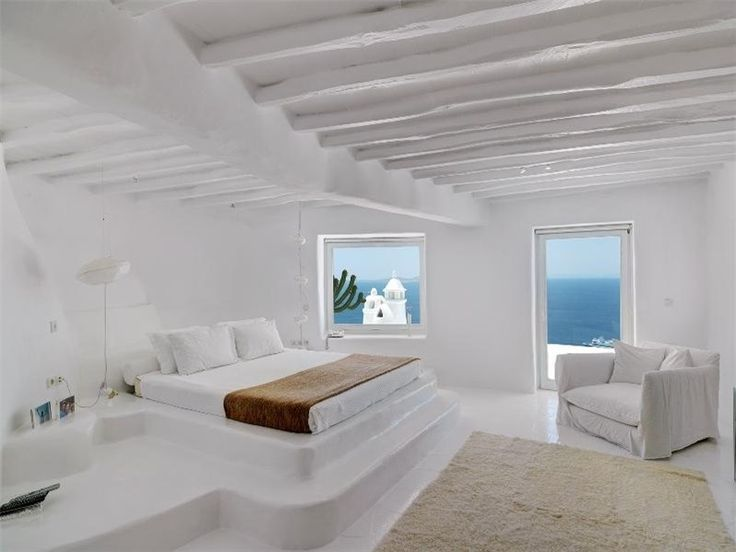 Awesome Ideas To Use Raised Platforms In Interiors | Greek bedroom .