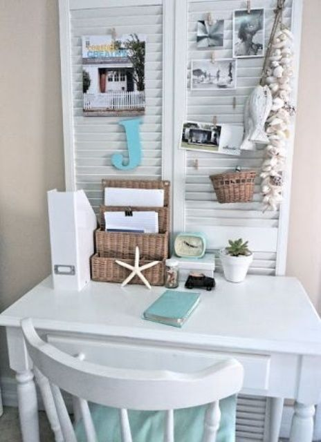 23 Beach-Inspired Home Office Designs (With images)   Small space .