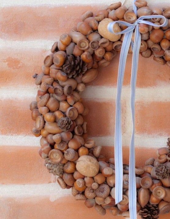 Beautiful Nut And Acorn Wreaths For Natural Fall Decor   Ghirlande .