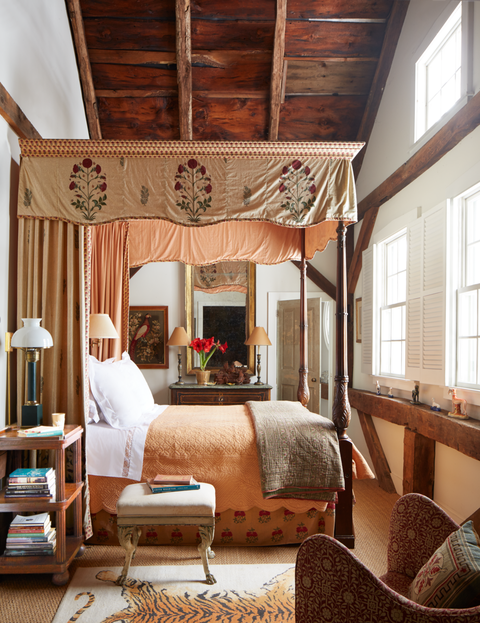 20+ Best Fall Bedroom Decor Ideas - Cozy Ways to Decorate for Fa