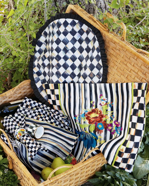 Black And White Courtly Check Tableware And Textile Collection .