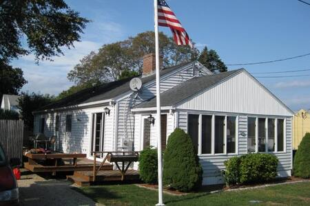 Black Point Holiday Rentals & Homes - East Lyme, CT   Airb