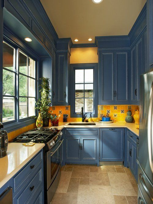 25 Catchy And Bold Blue And Yellow Kitchens - DigsDi