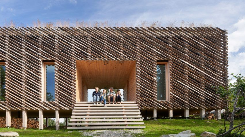 Mork-Ulnes constructs raised Skigard Hytte cabin using detached .