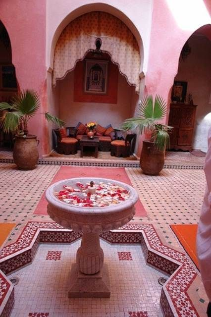 Amazing Moroccan Patio To Decorate Your Building | Morocco style .