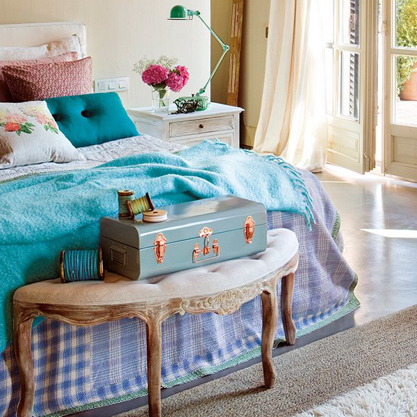 On Style | Today:2020-08-10 | Charming Silver Turquoise Bedroom .