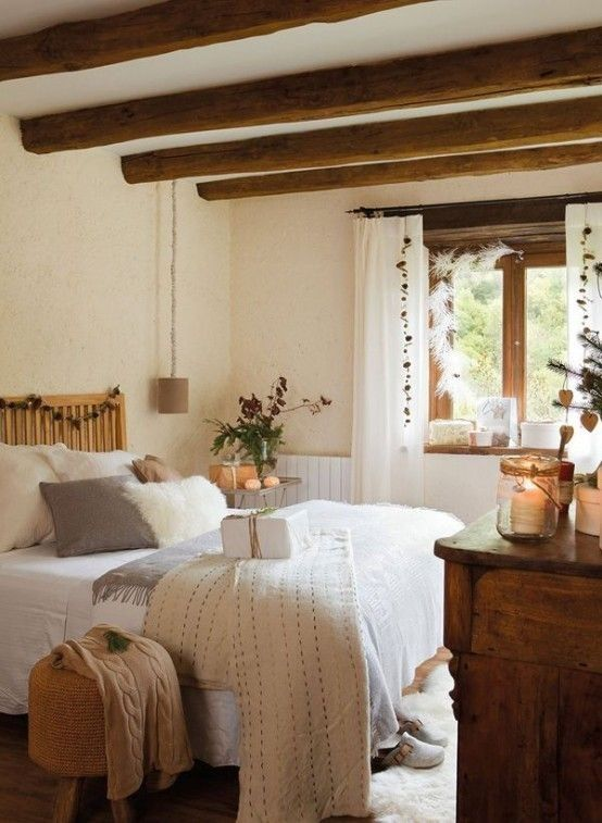 35 Chic Bedroom Designs With Exposed Wooden Beams   Farmhouse .