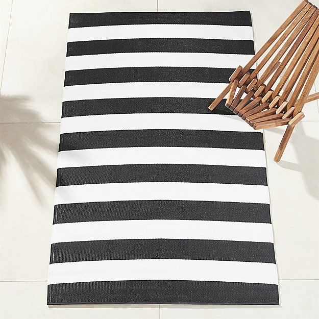 Black and White Outdoor Rug 5'x8' | Outdoor rugs, Deck rug, Black .