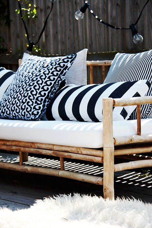 Chic Black And White Outdoor Spaces | Patio inspiration, Terrace .