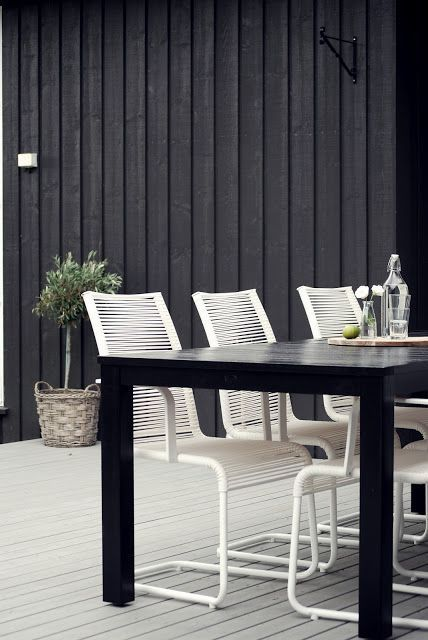 30 Chic Black And White Outdoor Spaces | Outdoor spaces, Outdoor .