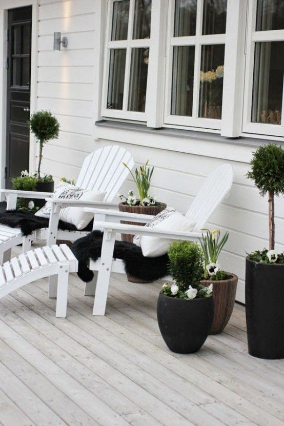 30 Chic Black And White Outdoor Spaces | DigsDigs | Terrace decor .