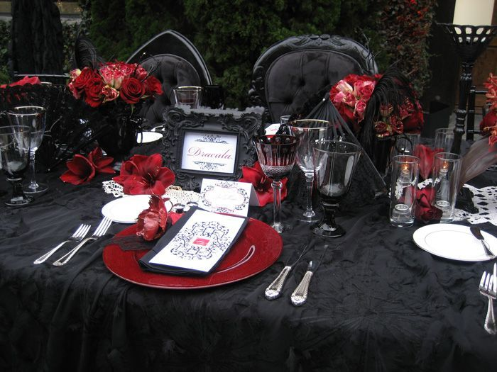 37 Classic Red And Black Halloween Ideas | Gothic wedding .