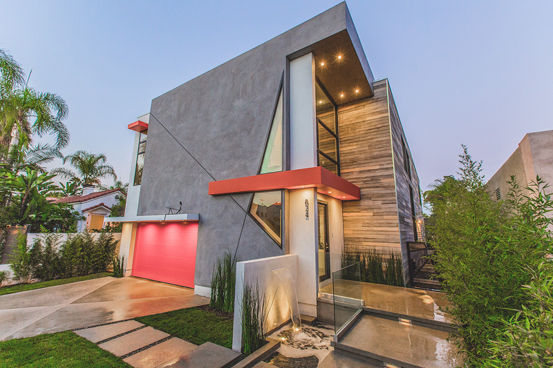 A Colorful Contemporary House in Los Angeles, Californ