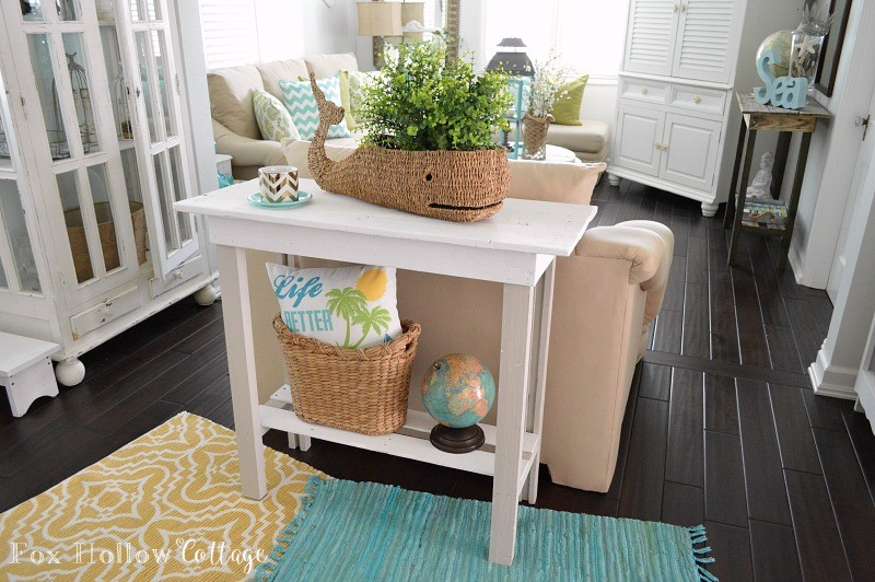 More Summer Decor and a DIY Paint Makeov