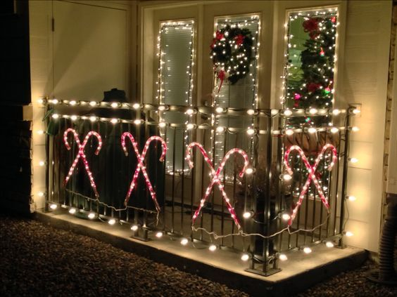 50 Christmas Balcony Décor ideas which are opulent and classy .