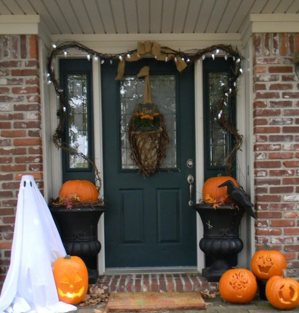 The Best 35 Front Door Decors For This Year's Hallowe