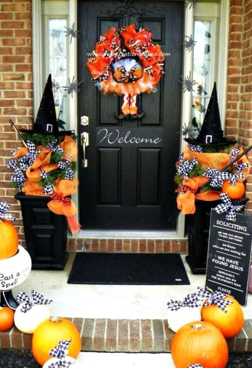 5 Non-Scary Outdoor Halloween Decorations | Worthing Court .