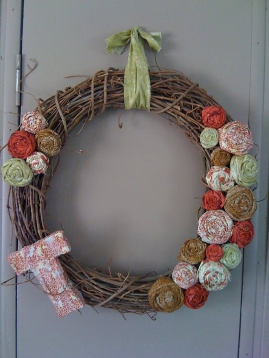 58 Cool Rustic Christmas Decorations And Wreaths - DigsDi