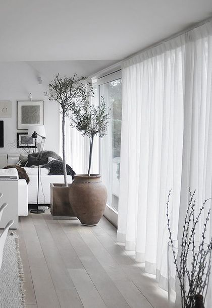 8 Cool Tips To Visually Expand A Small Space | Vardagsrum modernt .