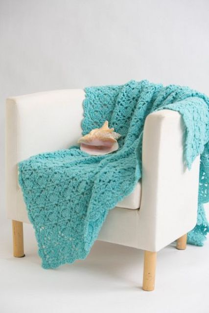28 Cozy And Comfy Crocheted Pieces For Home Décor - DigsDi
