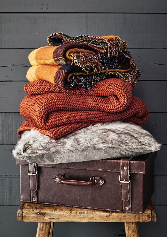 25 Ways To Cozy Up Your Bedroom For Fall   Fall bedroom, Fall .