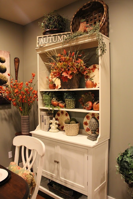 51 Beautiful And Cozy Fall Dining Room Décor Ideas - DigsDi