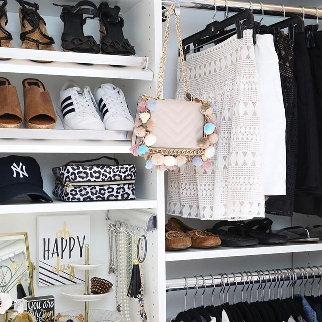 A couple weeks ago, we completely transformed my daughter's closet .