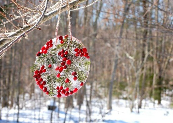 27 COZY ICE CHRISTMAS DECORATIONS FOR OUTDOORS .