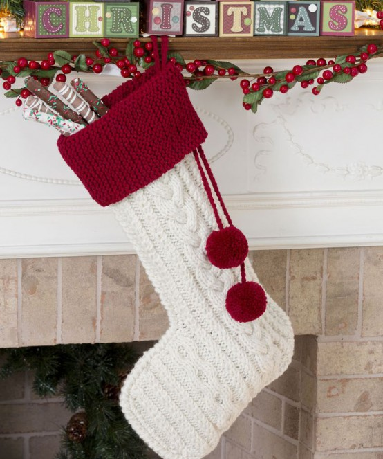 32 Cute And Cozy Knitted Christmas Decorations - DigsDi
