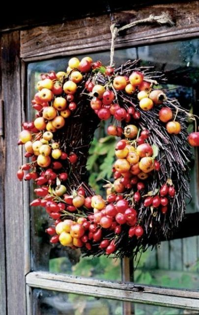 23 Cute And Yummy Apple Wreaths For Fall Home Décor | DigsDigs .