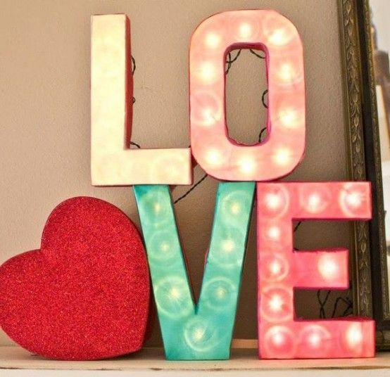 26 Cute Valentine's Day Marquee Ideas For Your Home - DigsDigs .