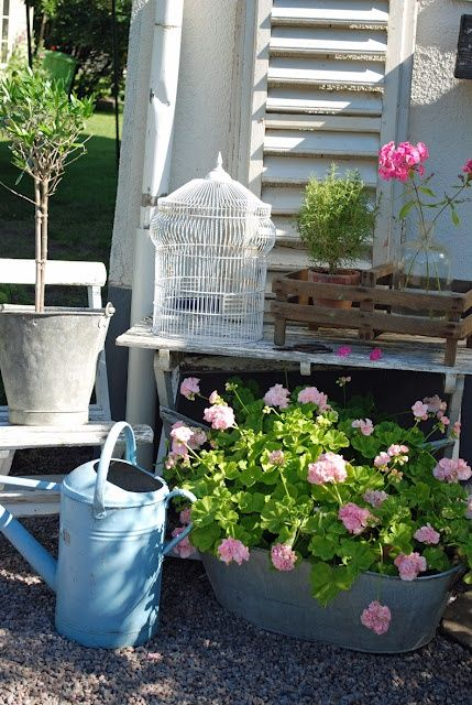 32 Ideas To Decorate Your Home With Summer Flowers | Backyard .