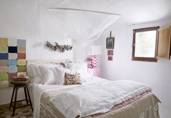23 Dreamy And Practical Mosquito Nets For Your Bedroom - DigsDi