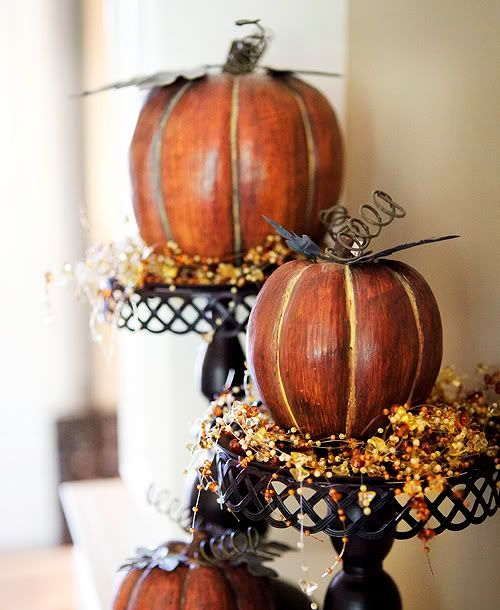 52 Fall Pumpkin Stands For Outdoor And Indoor Décor - DigsDi