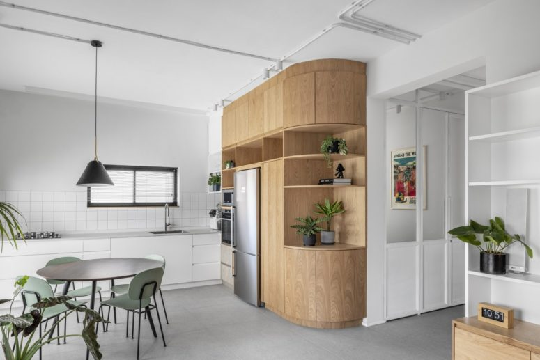 Contemporary And Functional Apartment In Neutrals - DigsDi