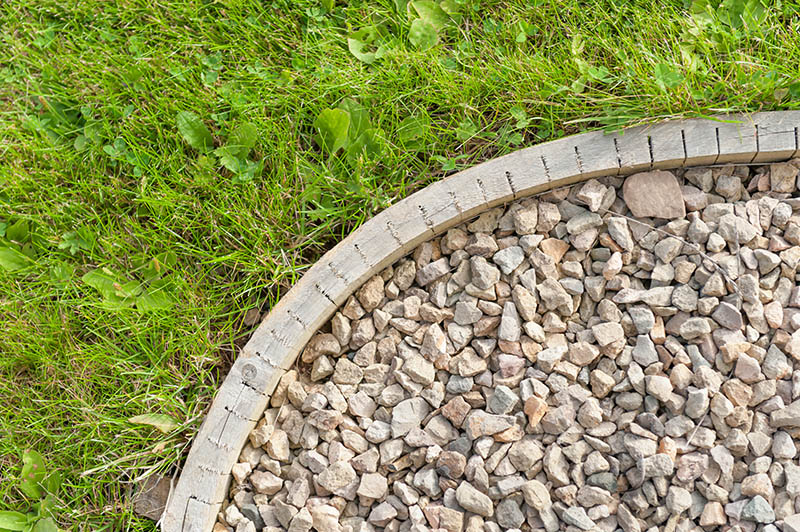 23 Cheap & Amazing Garden Edging Ideas You Can Try | Green and Vibra
