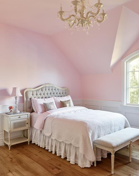 Oubj Girls Bedroom with French Gray Tufted Headboard - French .