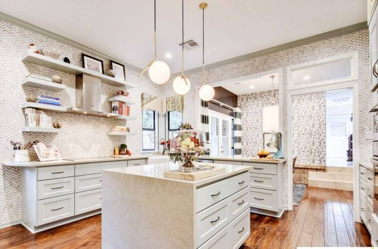 Eye-Catchy Glam Kitchen Design In A Mix Of Patterns - DigsDi
