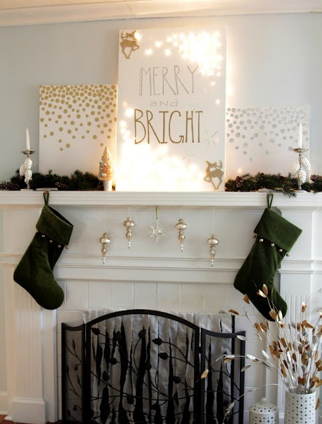 31 Gorgeous Indoor Décor Ideas With Christmas Lights - DigsDi