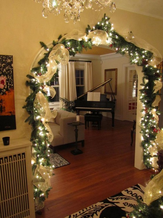 34 AWESOME INDOOR CHRISTMAS DECORATION INSPIRATIONS .