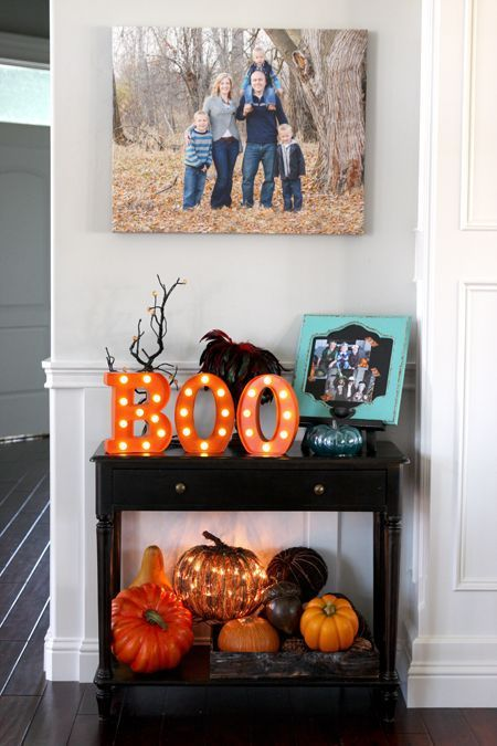 23 Ideas To Style Your Console Table For Halloween - DigsDi