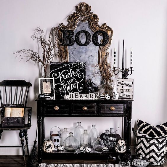 23 Ideas To Style Your Console Table For Halloween (With images .