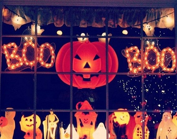 60 Rare Halloween Window Decorating Ideas You Can't Resist to T